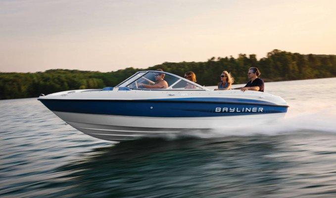 Bayliner-160-Bowrider-03