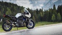 2015-Yamaha-Fazer8-02